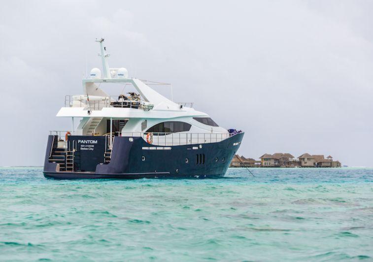 Fantom surf charter Maldives