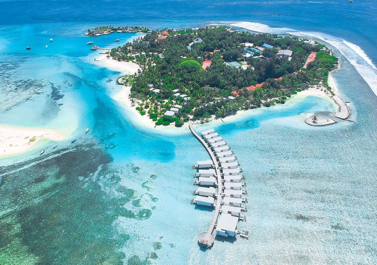 Kandooma surf resort Maldives