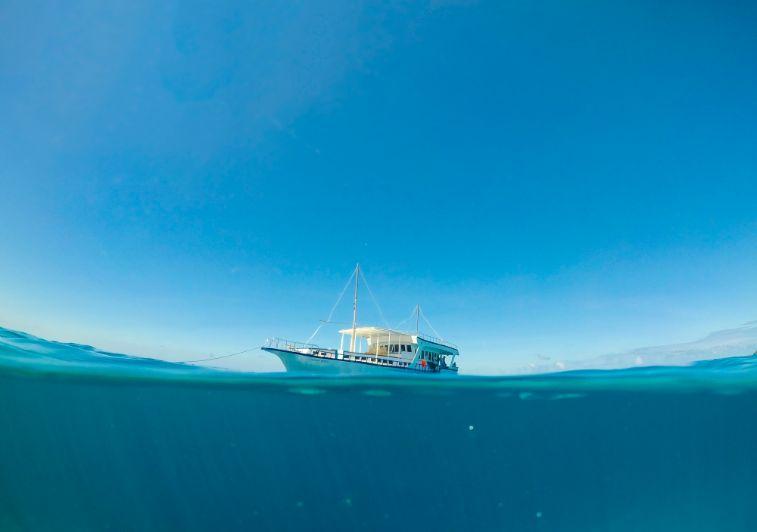 Kethi surf charter Maldives
