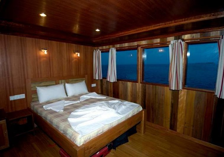 Princess Rani surf charter maldives