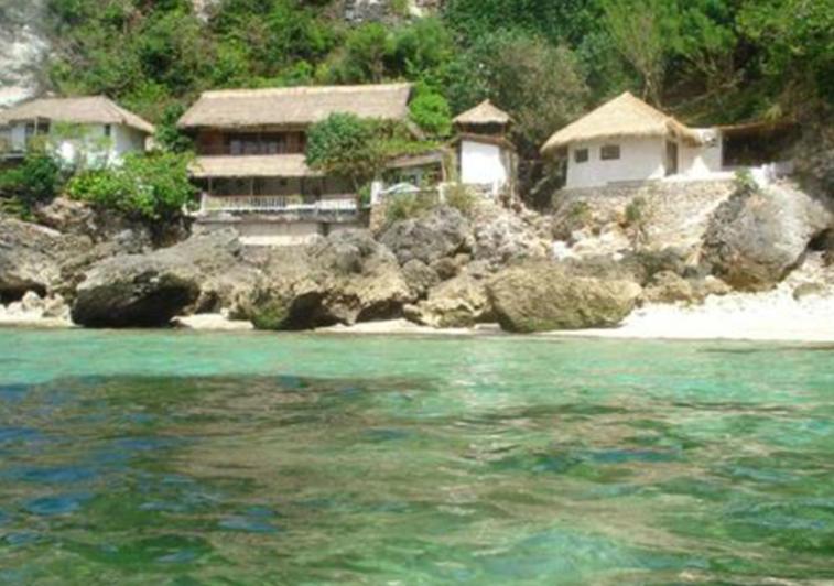 Rock N reef surf resort Bali