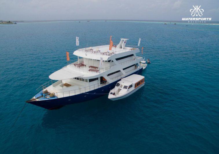 Blue Pigeon surf boat charter maldives